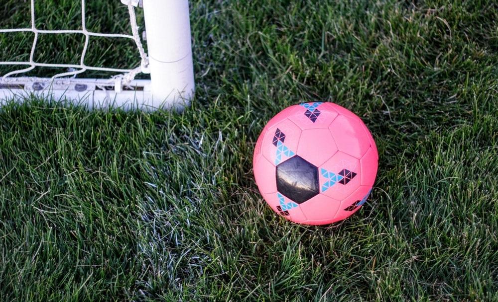 Trouver Un Sponsor Pour Un Petit Club De Foot N Est Pas Si